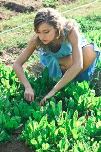 single mom gardening